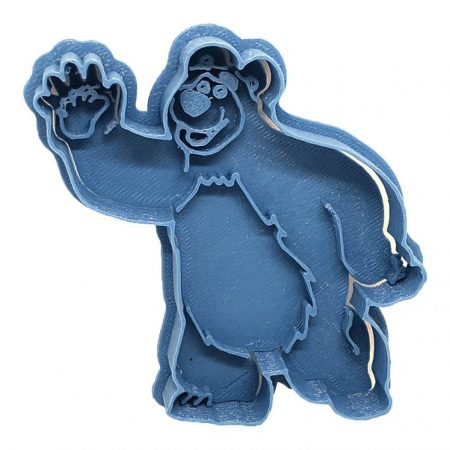 Bear Masha and the bear cookie cutter